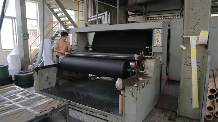 nonwoven-weed-mat-factory-2